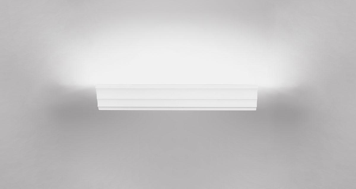 CORNICE | Modular wall frame, 150 mm blade of light
