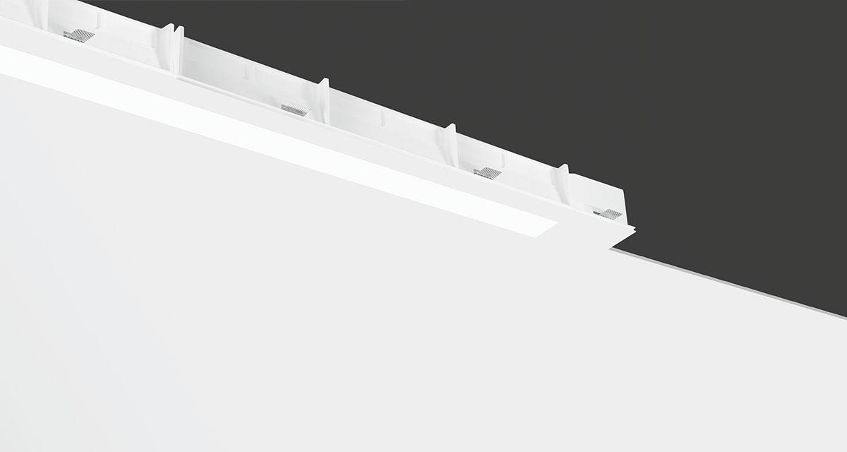 INVIDIA | Modular recessed lighting for continuous 90 mm-wide lines of light, with frosted polycarbonate screen